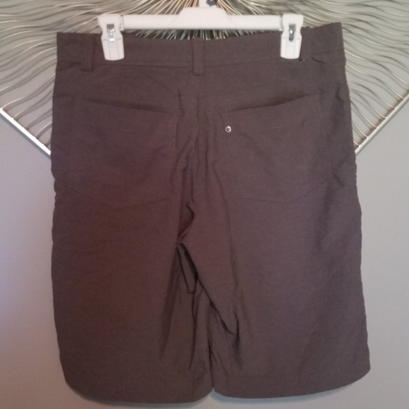 Nike Other - Nike Golf dri-fit shorts size 32 excellent conditi